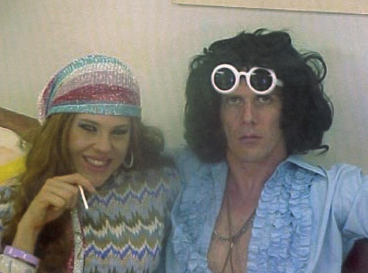 """Da Casa dos Artistas para o Brasil, em 2001, com o cantor Supla: """"Todo mundo falava que tinha texto. Tinha nada. Era a gente, isso que foi mágico"""""""