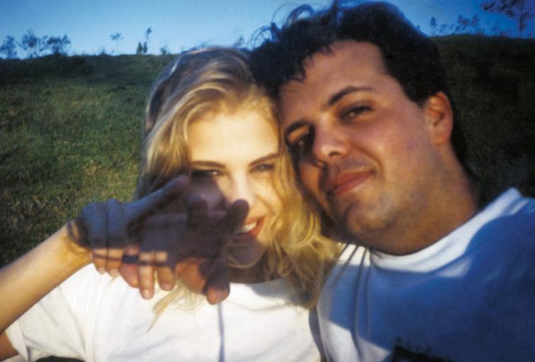 Com o primeiro marido, aos 20 anos, o fotógrafo Marcos Lopes, com quem ficou casada de 94 a 95