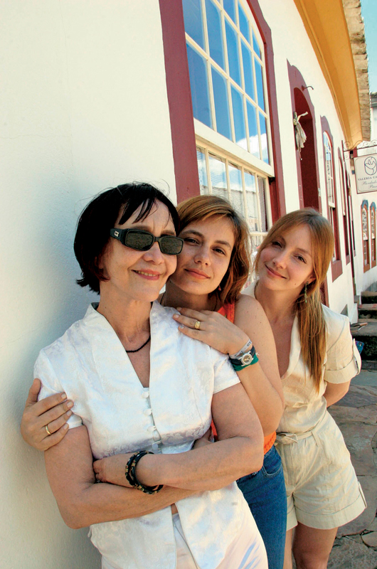 Com a mãe, Helena Ignez, e a irmã, Sinai, no Festival de Tiradentes