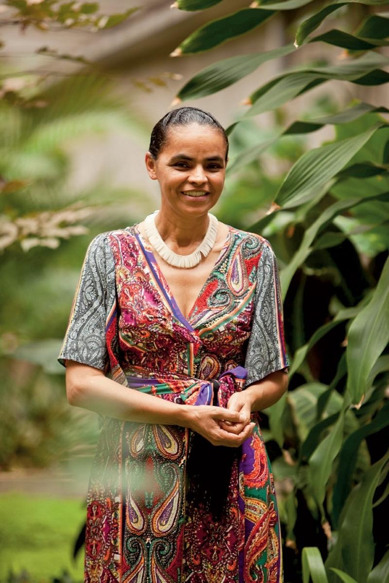 """Marina Silva - """"Uma parte das mulheres ainda acha que para ser respeitada precisa se transformar em uma caricatura do masculino"""""""
