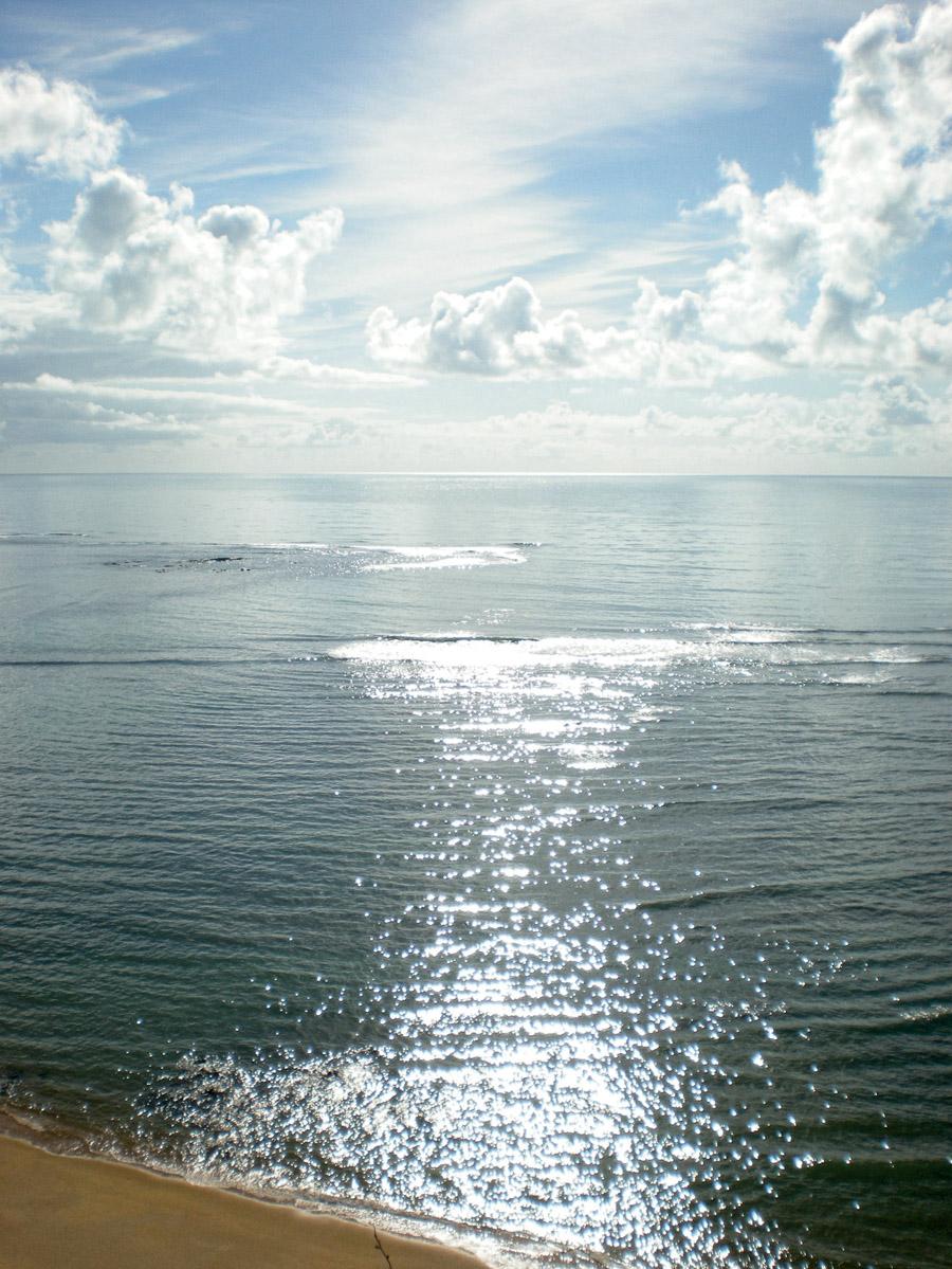 Assim como a Lua, o Sol reflete no mar