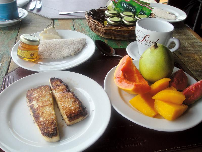 8h Café da manhã no hotel Pestana Lodge.