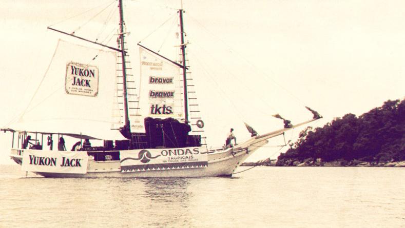 Em 1986, a Ondas Tropicais versão barco vai para Maresias, litoral de SP