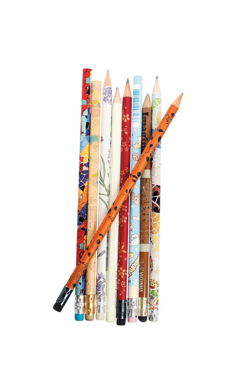 """Coleção de lápis """"Coleciono lápis de todas as formas e cores."""""""