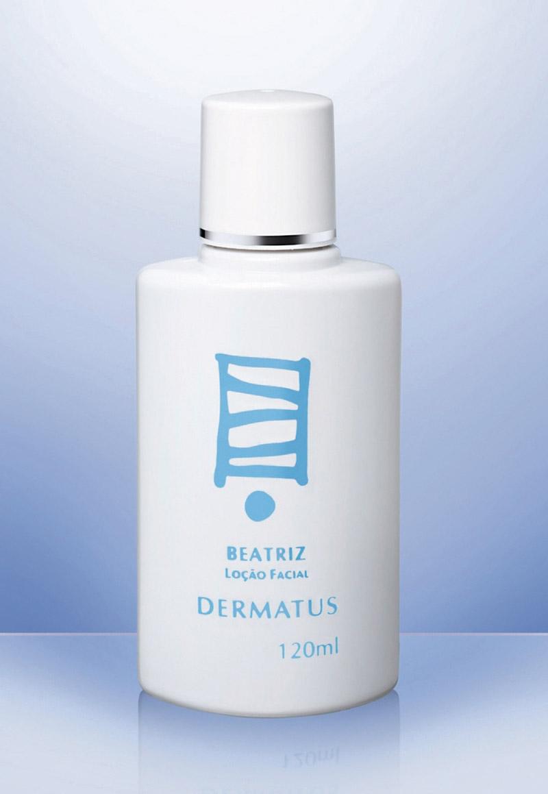 """Rosto 2 - """"Depois de lavar o rosto pela manhã uso a loção Beatriz, da Dermatus, que prepara a pele para receber o protetor e a maquiagem"""""""
