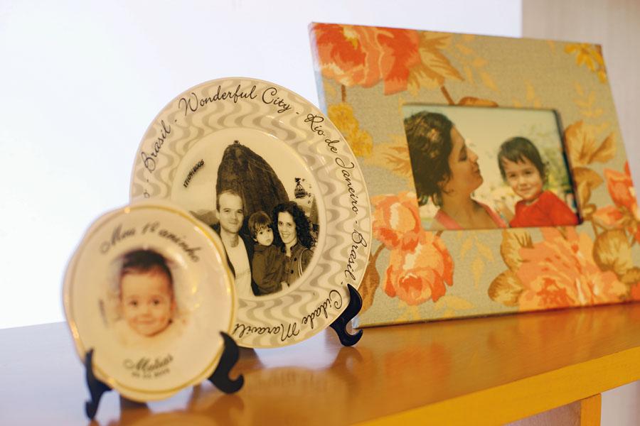 Lembranças cariocas: pratinho souvenir da família no Pão de Açúcar – essa foi a lembrancinha da festa de 1 ano do Matias