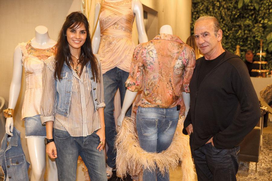 Ao lado de Renato Kherlakian num lançamento de jeans