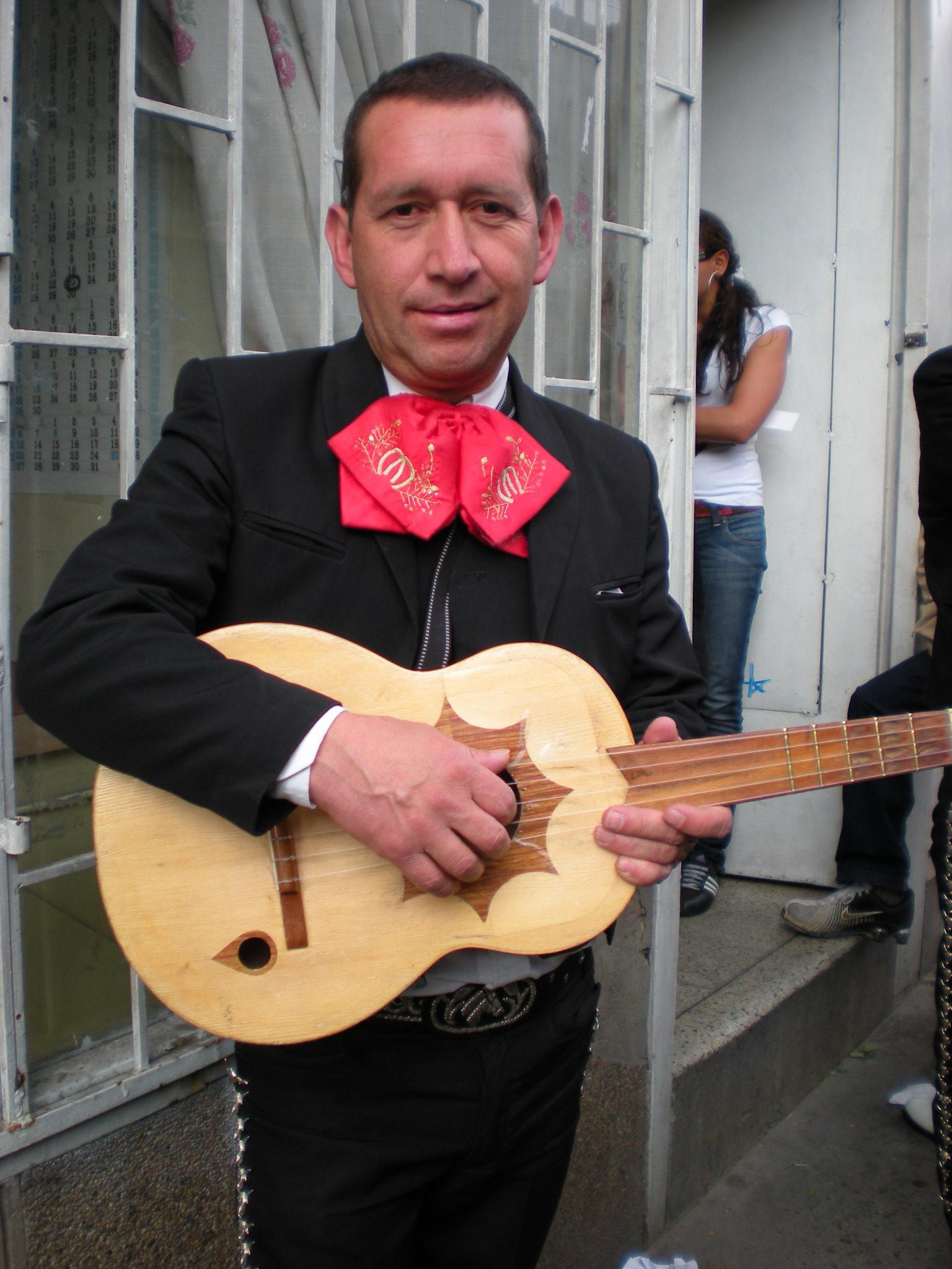 Um autêntico mariachi bogotenho