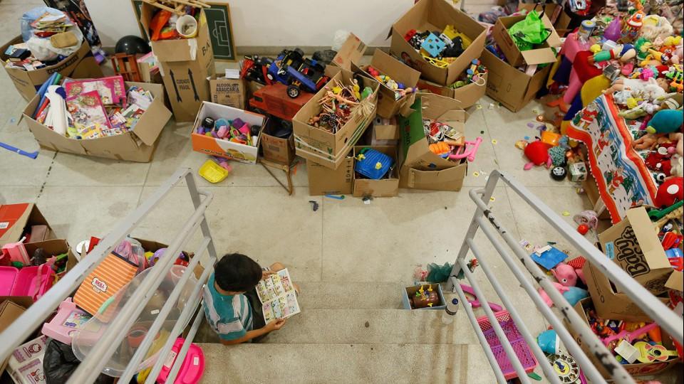 Centro de distribuição de doações em Mariana, Minas Gerais.