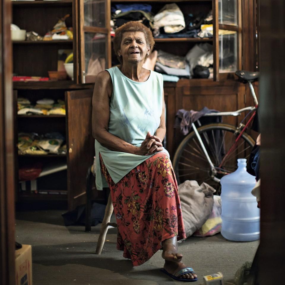 Vozinha, 80 anos, só não fez quatro coisas na vida: até estrela de cinema ela foi
