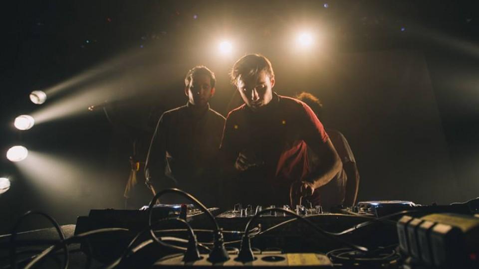 Os DJs da Mawimbi na primeira festa de 2016