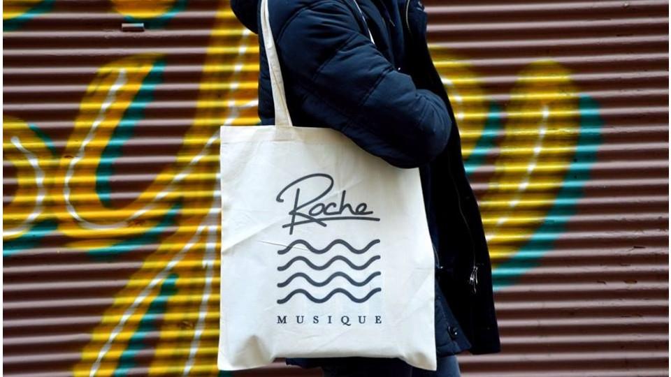 O Roche Musique também anda ligado nos acessórios de moda