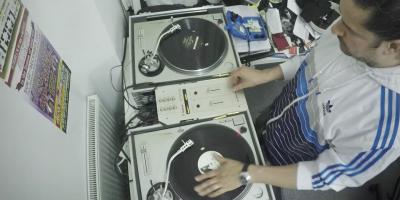 D.Vyzor, o DJ brasileiro que é sucesso em Londres