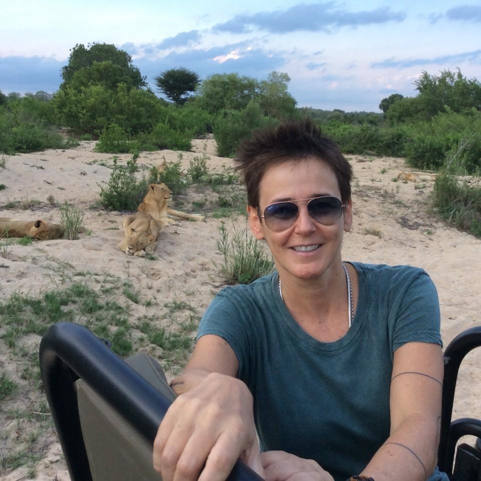 Milly e os leões, na África do Sul