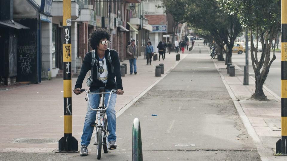 Ciclista em Bogotá