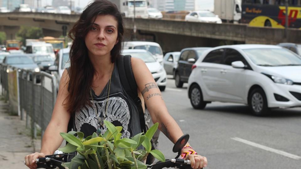 Carolina Sciotti, criadora do projeto Mil Orquídeas Marginais