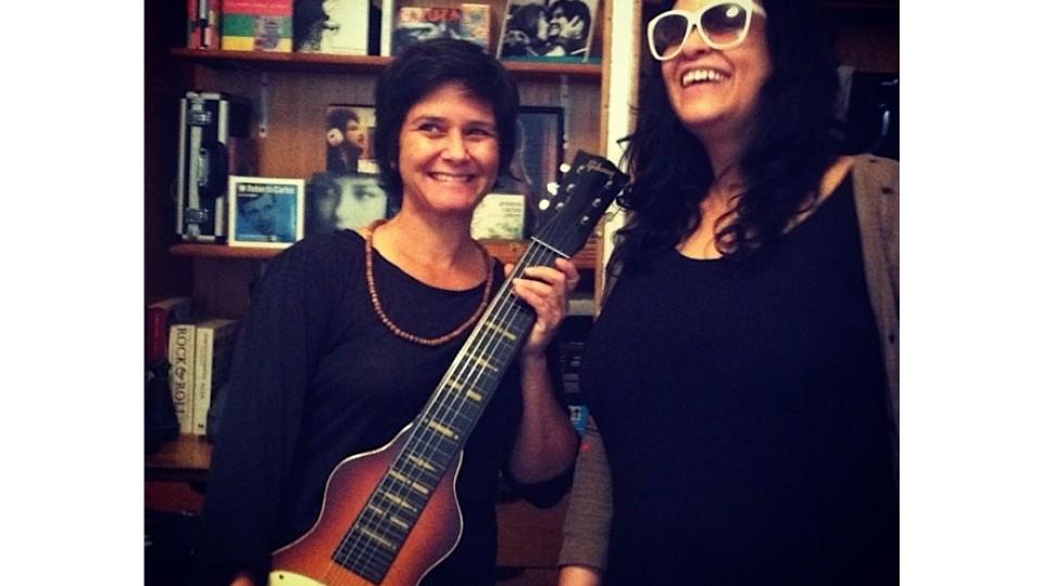Com a cantora Tulipa Ruiz