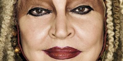 Elke Maravilha, uma mulher sem máscaras