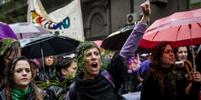 Argentinas insistem no grito: Nos queremos vivas!