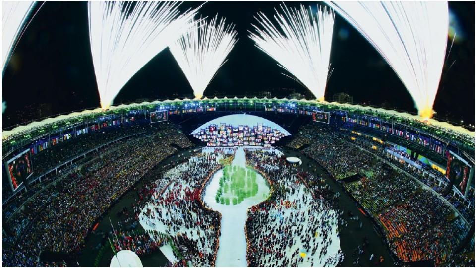 Momento da abertura da Rio 2016 que fez Meirelles chorar: os anéis olímpicos brotando