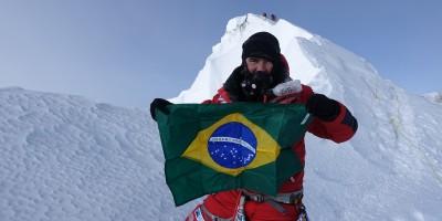 No pico mais alto da Terra