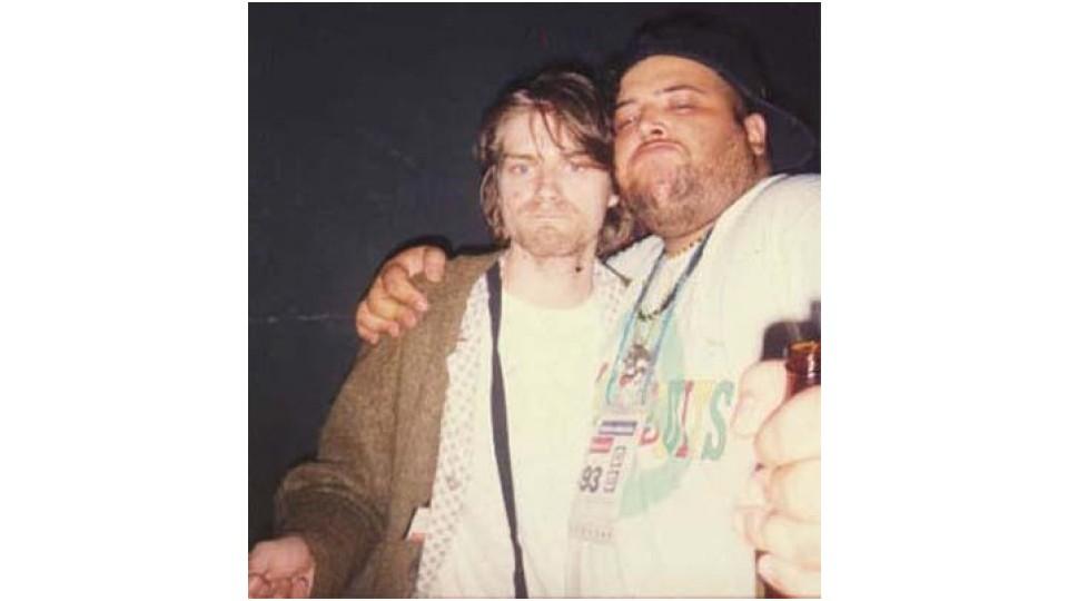 João Gordo em foto com Kurt Cobain, vocalista do Nirvana, em 1992