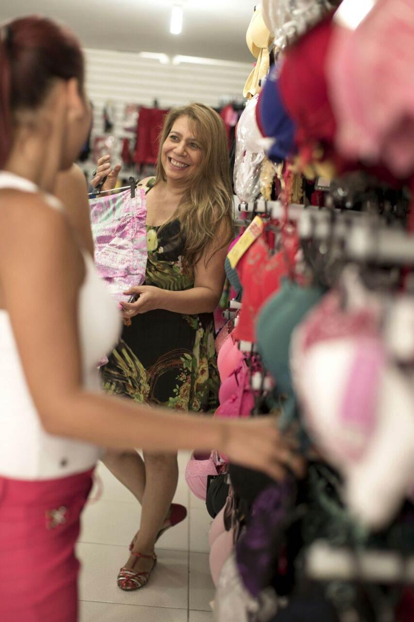 Sandra Margarete Pinheiro, em sua loja em Paraisópolis