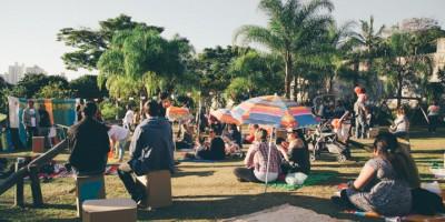 Diário de uma Kombi: cantamos na praça