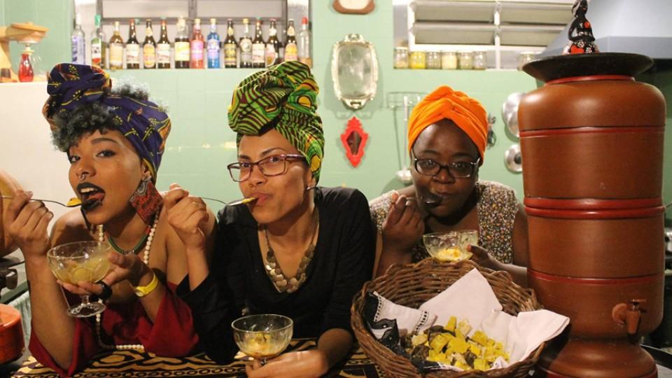 """Aparelha Luzia é território de falações negras: """"Artivismo pela estética, pelo discurso, pelo encontro, pelo di cumê, pela festa...Pelos saberes vivenciados a partir das heterogêneas experiências corpoculturais negras"""""""