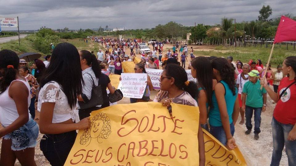 Em Araripe, no Sertão de Pernambuco, a parada contou com a participação de mais de 800 mulheres que protestaram contra a reforma da previdência social
