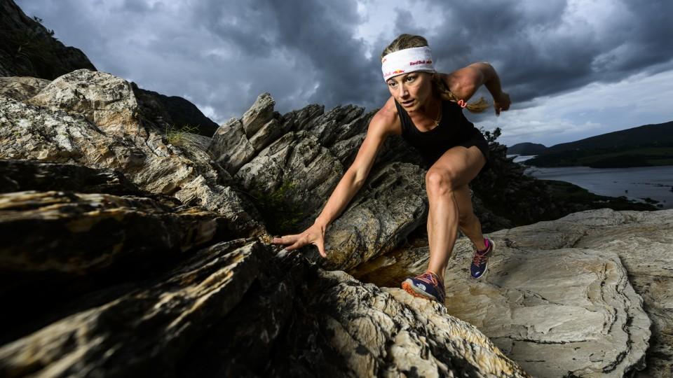 Fernanda Maciel, ultramaratonista, durante uma sessão de treinos na Lapinha da Serra, Minas Gerais