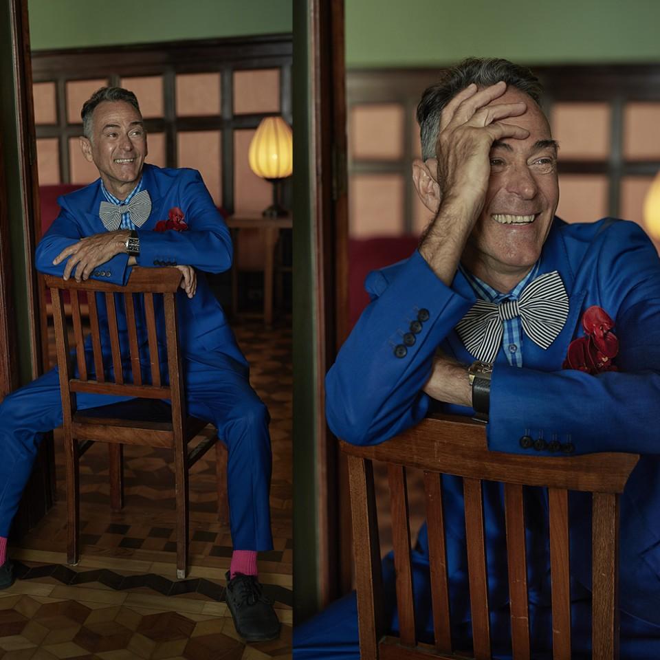 Marco veste: paletó Ronaldo Fraga, preço sob consulta. Camisa e gravata, acervo de produção