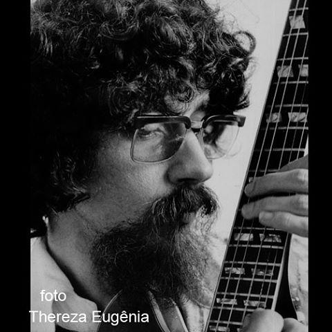 Raul Seixas, 1976. Nesta época, ele morava em São Conrado e foi muito gentil, posou de todas as maneiras