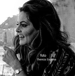 """""""A linda cantora e inesquecível Maysa"""""""