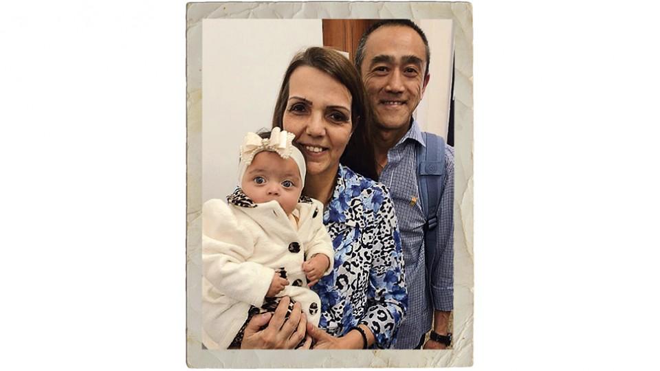 Pérola com os pais Rosa e Sílvio