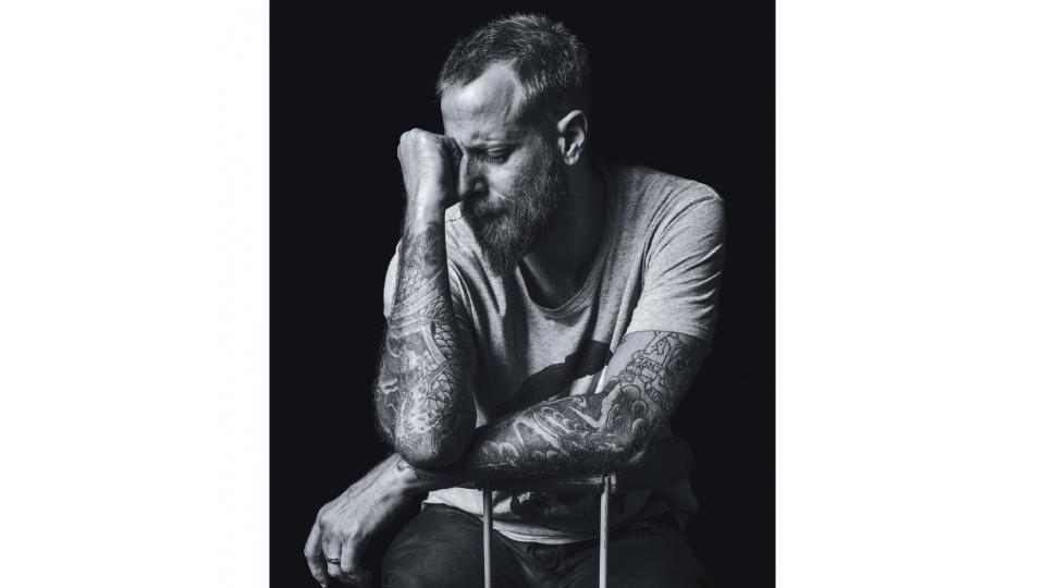 """MIFANO- 40 anos, chef de cozinha: """"Não sou um cara que quando fica triste chora, mas não tenho nenhum medo de demonstrar emoção. O homem que não se mostra é"""