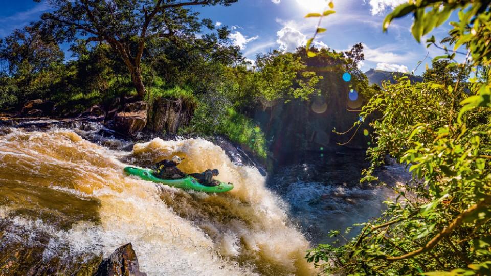 Descendo cachoeira em Extrema (MG)