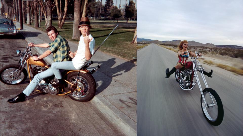 """Adolescentes em pose clássica, registrada em Long Beach, em 1965 e a atriz Ann-Margret vestida de """"Captain America"""" em uma chopper Triumph"""