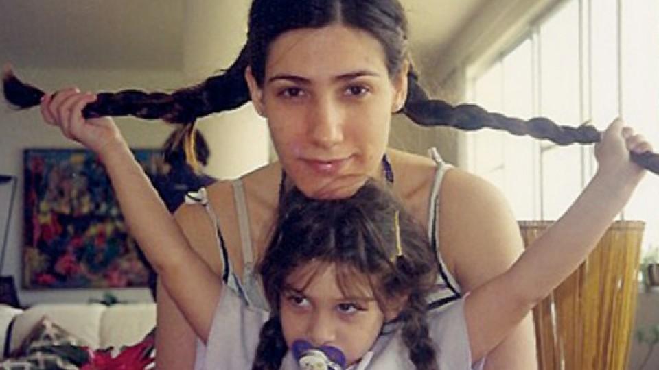 Luisa, aos 4 anos, e Virginia