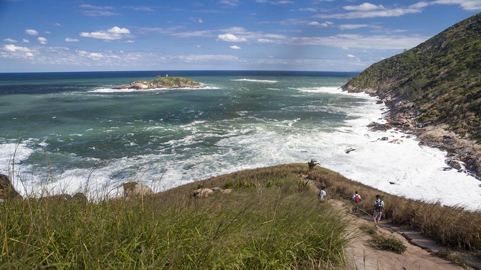 Pedra da Tartaruga e praias selvagens de Grumari