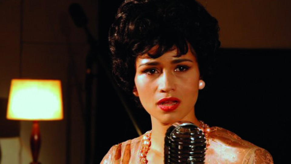 Encarnando Dolores Duran, no especial da Globo, Por toda minha vida