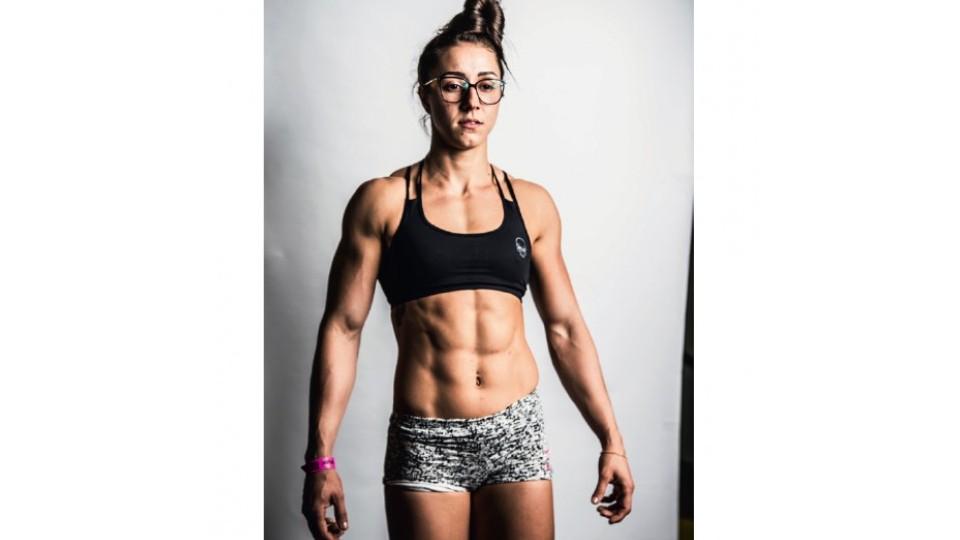 """""""É um desafio comigo mesma"""" - Camile Morales, 25, atleta de elite e professora de musculação"""