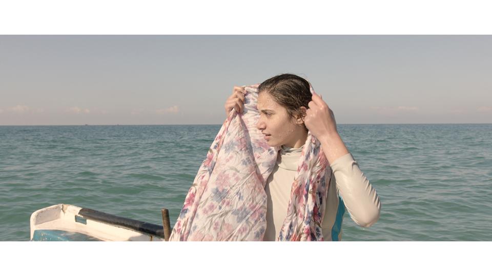 Sabah, uma das poucas garotas surfistas de Gaza