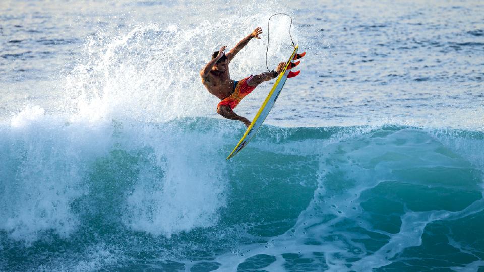 Bruno Santos dando um aéreo