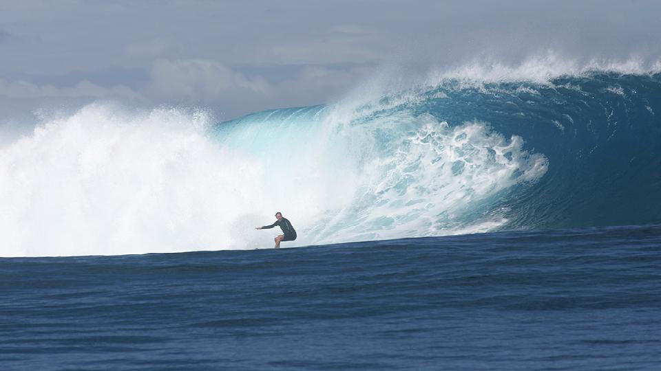 William surfando em Tavarua, nas ilhas Fiji