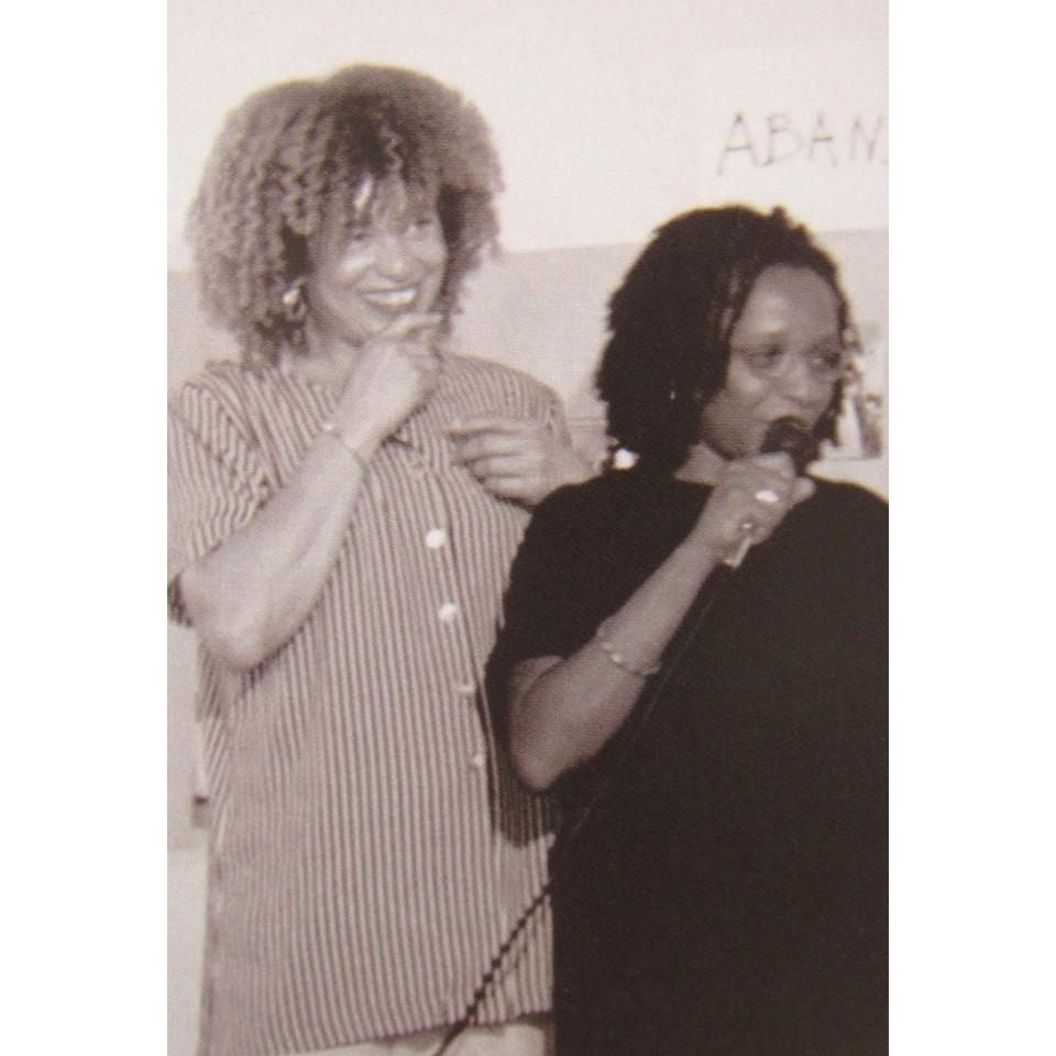Angela Davis e Luiza Bairros em 1997, na I Jornada Cultural Lélia Gonzales