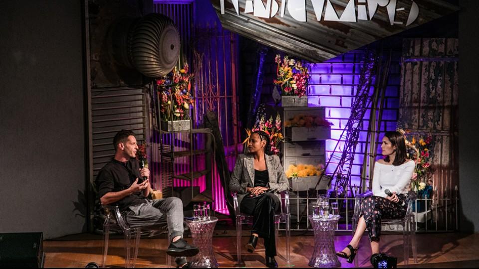 David Hertz, Adriana Couto e Lorrana Scarpione no palco do MAM