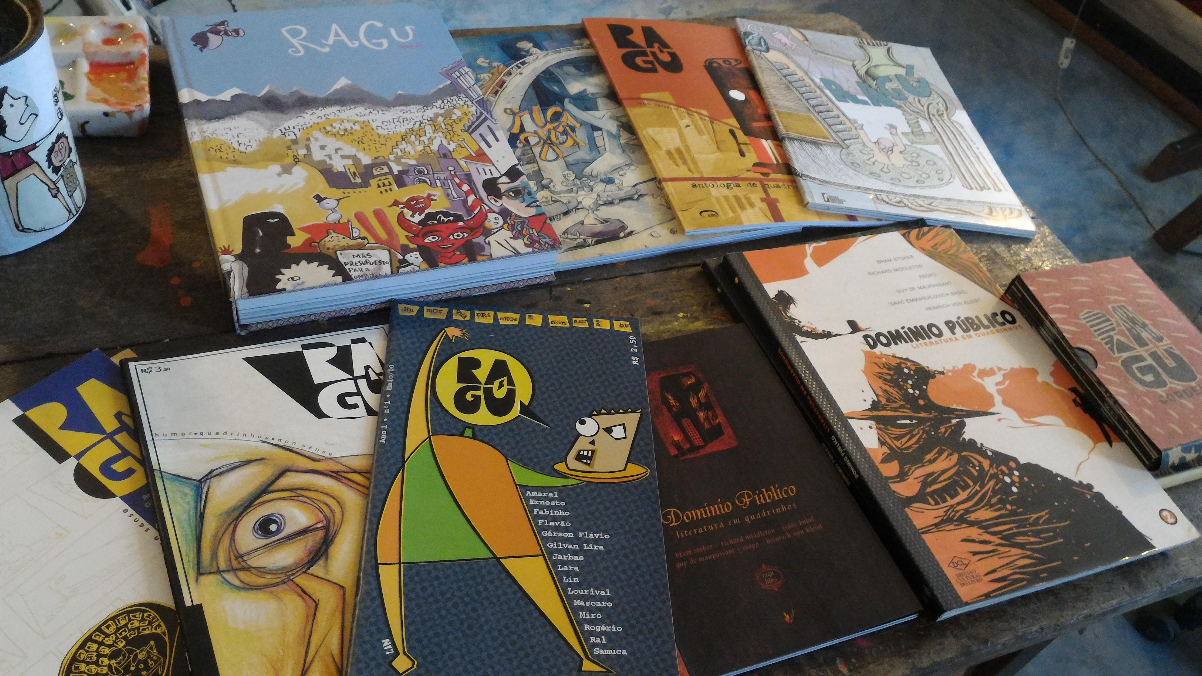 Ragu - Revista de quadrinhos autorais de Recife, publicada desde 2000, com a participação de vários autores de estilos diferentes. As sete edições são vendidas online e em livrarias.