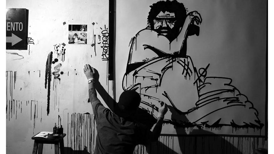 Kadu Doy a.k.a. Sosek trabalha em uma de suas criações da série Interno