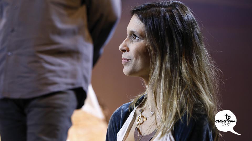 Sarah Oliveira é a apresentadora da Casa Tpm
